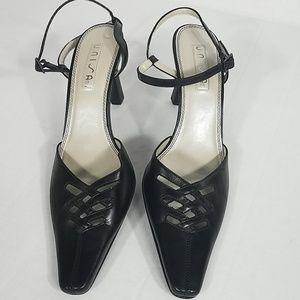 💖UNISA Black Leather Angelina Heels Sz 8B